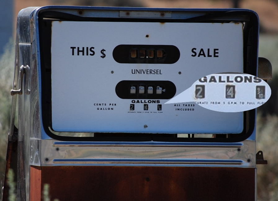 Photo shows this bowser was set at 29.9 cents per gallon. All 8 bowsers were set at the same price, which might prove this was the last time this Winnemucca gas station operated.