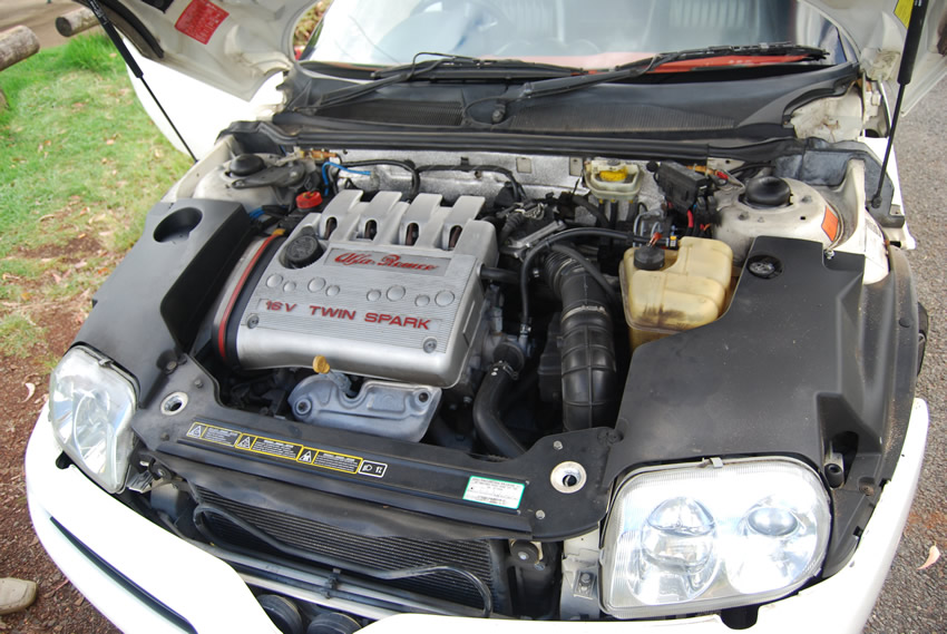 Alfa Romeo 16 valve twin spark (2 spark plugs per cylinder) 2 liter engine with front wheel drive