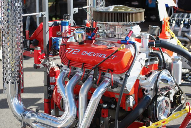 Image of Chevrolet 572 cubic inch crate engine