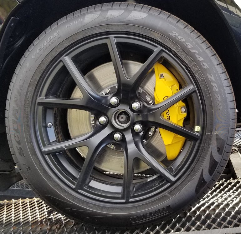 Brembo 6 spot front brakes on Jeep Trackhawk