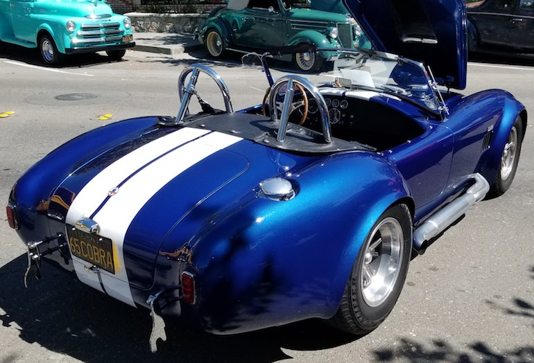 Rear right corner view of AC Cobra 427 for sale by advertiser